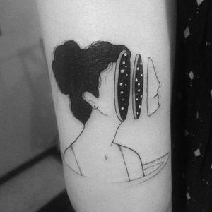Fine line surrealistic woman tattoo by Bru Simões. #BruSimoes #fineline #woman #feminine #lovely #feminism #subtle #illustration #drawing #blackwork #dotwork #surrealism #trippy #portrait