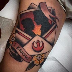 Tattoo por Bennie Bravo! #BennieBravo #StarWars #Maytheforcebewithyou #maythe4thbewithyou #leia #princessleia #hansolo #carriefisher #harrisonford #carrison #nerd #geek