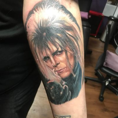 A color portrait of David Bowie as Jareth, the Goblin King, by Pauly LeVay (IG— art_la_vey). #color #DavidBowie #Labyrinth #PaulLeVay #portraiture #realism #TheGoblinKing