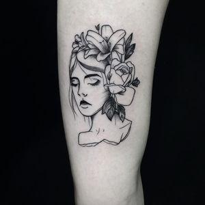 #AmandaSantana #brasil #brazil #brazilianartist #TatuadorasDoBrasil #fineline #delicate #delicado #woman #mulher #flor #flower #rosa #rose #folha #leaf #pontilhismo #dotwork #blackwork