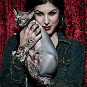 A tatuadora Kat Von D é apaixonada por gatos Sphynx. #KatVonD