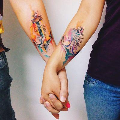 Ancoras do brasileiro Felipe Bernardes #FelipeBernardes #amor #love #coupletattoo #tattoodecasal #matchingtattoo #casal #anchor #ancora #watercolor #aquarela #sketchstyle #estilorascunho #hebreus619 #tatuadoresdobrasil
