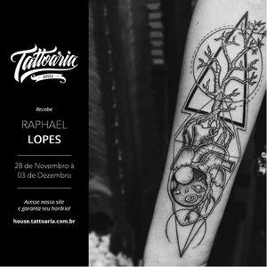#tattoaria #fineline #simetria #traçoperfeito #pontilhismo #dotwork #blackwork #RaphaelLopes #metamorphosistattooparlor #zero21tattoostudio #brasil