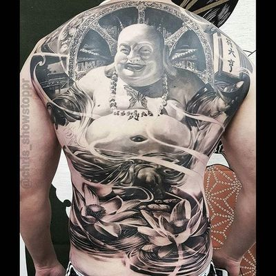 Buddha by Chris Mata'afa just chilling on this guy's back (IG—chris_showstoppr). #blackandgrey #Buddha #ChrisMataafa #realism