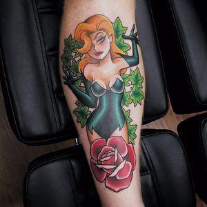 Ela vai te enrolar nas plantinhas #GooneyToons #GothamCitySirens #SereiasDeGotham #poisonivy #heravenenosa #dc #comic #cartoon #movie #filme #heroes #villains #badgirls #girlpower #rosa #rose #flor #flower #folhas #leafs