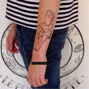 Sketch tattoo by Tania Vaiana #TaniaVaiana #illustrative #minimalistic #sketch #child #boy