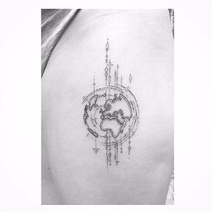 Globe tattoo by Max Le Squatt #MaxLeSquatt #fineline #blackandgrey #globe #linework
