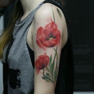 Flores por Taiom! #Taiom #Tatuadoresbrasileiros #TattooBrasil #TattooBr #TattoodoBr #conceitual #concept #conceptual #flowers #flores #flower #flor