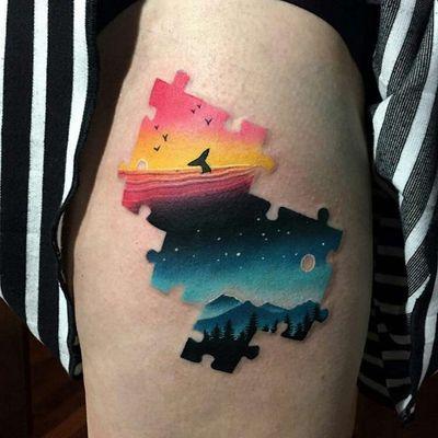 Quebra-cabeça #DariaStahp #gringa #neotraditional #degrade #fullcolor #sillhouette #silhueta #landscape #paisagem #sobreposição #overlap #noite #night #lua #moon #sol #sun #montanhas #hills #mar #sea #ocean #whale #baleia