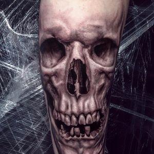 Skull by Ralf Nonnweiler #RalfNonnweiler #realism #realistic #hyperrealism #skull #death #bones #teeth #blackandgrey #tattoooftheday