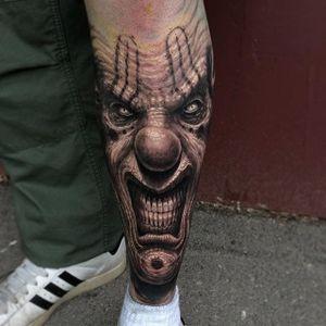 The clowns! THE CLOWNS! (via IG - travisgreenough) #travisgreenough #horror #blackandgrey #realism #halloween #clown