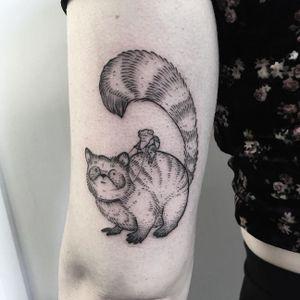 Raccoon tattoo by Ayako Junko Osaki #AyakoJunkoOsaki #linework #etching #woodcut #blackwork #raccoon #frog #toad (Photo: Instagram @ajunkysock)