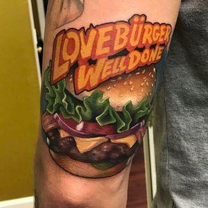 Delicioso hamburguer por Aaron Springs! #AaronSprings #Hamburguer #burger #burgerlove #hamburger