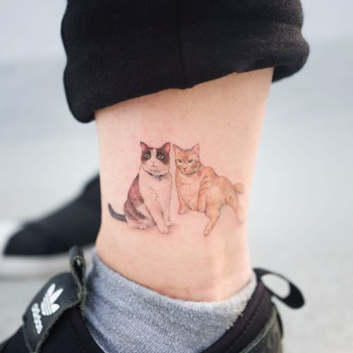 Fat cat life by Sol #soltattoo #Sol #minimalism #small #realism #realistic #color #petportrait #cats #cat #kitty #nature #animal #tattoooftheday