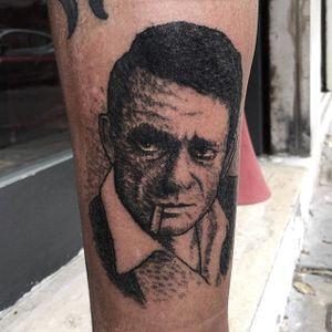 Johnny Cash Tattoo by Alex Ciliegia #johnnycash #handpoked #handpoke #handpokeartist #stickandpoke #dotwork #handpokedportrait #AlexCiliegia