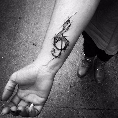 Simplicidade ao expressar o amor pela música #InezJaniak #musica #sketch #sketchtattoo #music