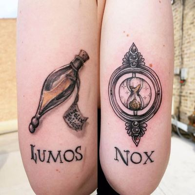Linda tattoo por Sarah Spread! #SarahSpread #timeturner #viratempo #felixfelicis #lumos #nox #potion #poção #harrypotter #harrypottertattoo