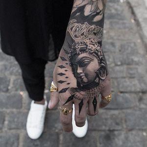 Awesome piece by Oscar Åkermo #OscarAkermo #blackandgrey #buddha #portrait #realism #tattoooftheday
