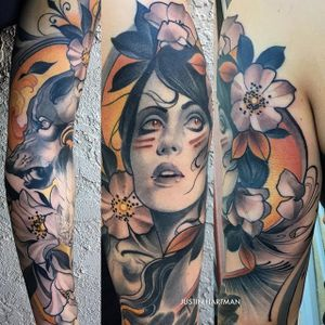 A breathtaking large scale piece featuring a lady head, wolf, and flowers by Justin Hartman (IG—justinhartmanart). #flowers #JustinHartman #ladyhead #largescale #neotradtional #wolf