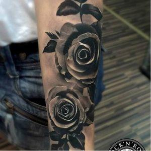 #flores #flowers #pretoecinza #blackandgrey #MaksimYalovik #MaksYalovik #realismo #realism #tatuadorpolones #brasil #brazil #portugues #portuguese