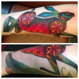 Rabbit tattoo by @kajsa_redrosetattoo #redrosetattoo #redrosetattoo #gothenburg #sweden #psychedelic #neotraditional #geometric #mendhi #rabbit