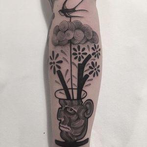 Surreal flowerpot by Alessandro Florio #alessandroflorio #blackwork #linework #dotwork #bird #cloud #flower #branch #plant #nature #flowerpot #vase #pot #face #portrait #surreal #tattoooftheday