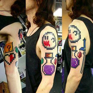 8-bit tattos by Jess Tattooer (via IG -- jess_tattooer) #jesstattooer #mario #zelda #8bittattoo