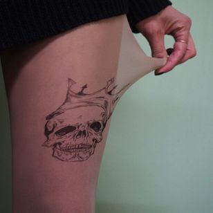 Crowned by TATUL (via etsy.com) #tattooedtights #painted #art #fashion #TATUL #temporarytattoos #tights #stockings