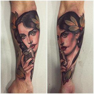 Singer portrait tattoo by Mimi Madriz. #MimiMadriz #neotraditional #portrait #singer #woman #laurel