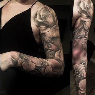 Floral Sleeve by Greg Nicholson (via IG-evilkolors) #blackandgrey #fineline #realism #gregnicholson