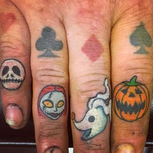 The Nightmare Before Christmas finger tattoos by Allan Graves #AllanGraves #haunted #horror #halloween #thenightmarebeforechristmas