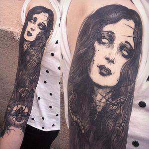 Haunted blackwork woman tattoo by Jean-Luc Navette. #JeanLucNavette #blackwork #vintage #gothic #horror #haunted #woman #macabre #dark