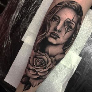 Elegant portrait of a woman with rose tattoo by Bobby Loveridge @bobbalicious_tattoo #black #blackandgray #churchyardtattoostudio #uk #rose #portrait #lady