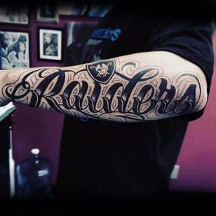 You know that Raiders fans are reppin' some sick tattoos. (Via IG - dzulinklounge)