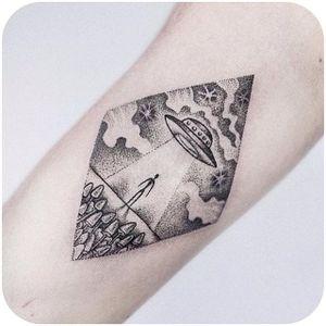 Fun alien spaceship dotwork tattoo by Uls Metzger @dogma_noir #tattoodo #alien #spaceship #dotwork #UlsMetzger #dogma_noir