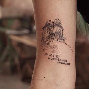 The Psycho House by La Bottega dell'Arte (via IG-labottegadellarte) #illustrative #fineline #blackink #sketchy #labottegadellarte