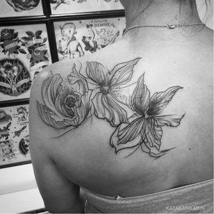 Flowery tattoo by Katakankabin #Katakankabin #linework #sketch #abstract #flower