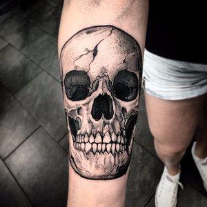 Skull tattoo by Szejn Szejnowski via Instagam @szejno #blackwork #blckwrk #btattooing #dotwork #dotshading #skulltattoo #skull #Szejno