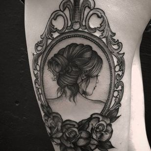 Blackwork tattoo by Felipe Kross. #FelipeKross #blackwork #dotwork #portait #woman