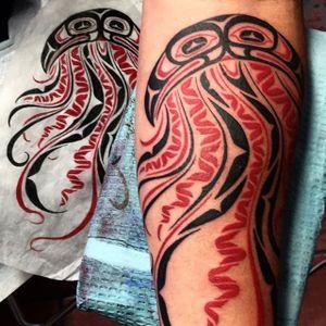 Jellyfish Tattoo by Deano Robertson #haida #haidaart #northwestcoast #pacificnorthwest #nativeamerican #indigenousart #tribal #DeanoRobertson