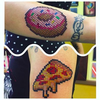 8-bit donut and pizza by Che (via IG -- zombifiedpinkpanda) #che #pizza #donut #8bittattoo