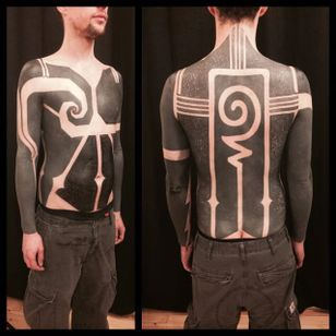 Blackwork tattoo bodysuit by Gerhard Wiesbeck @gerhardwiesbeck #blackwork #gerhardwiesbeck
