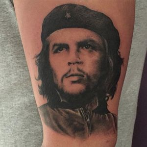 Beautiful realistic portrait, done at the Gentleman George's Tattoo Parlour #CheGuevara #Anarchist #portrait #portraittattoo #historic #realism #GentlemanGeorgesTattooParlour