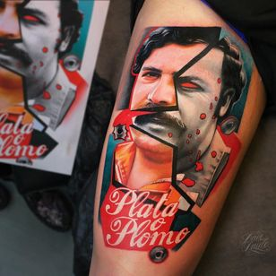 #DavePaulo #gringo #realismo #realism #colorido #colorful #portrait #retrato #colagem #collage #PabloEscobar #narcos #plataoplomo #escrita #writing #pretoebranco #blackandwhite