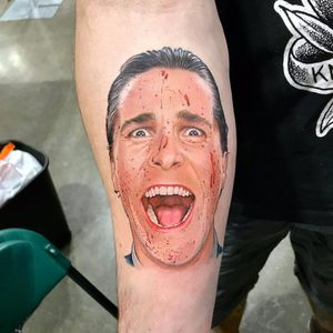 ahaha his business card is totally beautiful by David Corden #DavidCorden #realism #realistic #hyperrealism #color #portrait #AmericanPsycho #ChristianBale #blood #horror #thriller #movie #movietattoo #tattoooftheday