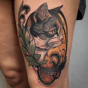 Ornate profile of a cute cat, by Shio Zaragoza (via IG—shio1red) #neotraditional #animals #furryfriends #ShioZaragoza