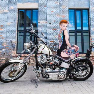 Joanna Akvark0 Zielińska, photo by Kamila Burzymowska #KamilaBurzymowska #chopper #harleydavidson #photography