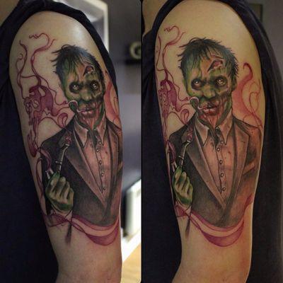 Trabalho do tatuador #ChewitSelf #zumbi #zombie #neotrad #terno #suit