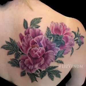 Peonies by Liz Venom (via IG-lizvenom) #realism #painterlystyle #lizvenom #flower #flowers