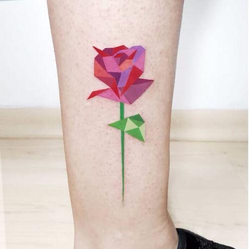 Low poly rose tattoo by Pablo Diaz Gordoa #PabloDiazGordoa #graphic #watercolor #geometric #lowpoly #rose